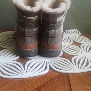 Ugg Snow/hunter boots